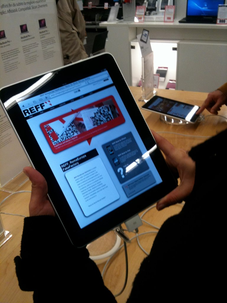 REFF RomaEuropa FakeFactory, the book, iPad version