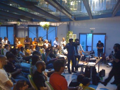 the crowd at the HUB Milan